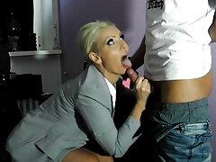ディルドのお尻を伸ばすモデルはお気に入りです 女子 向け セックス 動画