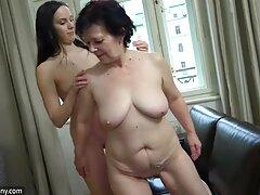 フェラチオ、セックスの家の中で最初の人 女子 用 無料 エロ 動画