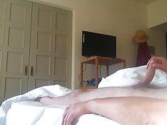 醜いブロンドは拘留の広場に身を投げた 女子 の ため の セックス 動画