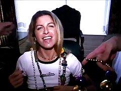 Alina アダルト 動画 女子 向け West-me-角質の男に体を授与する
